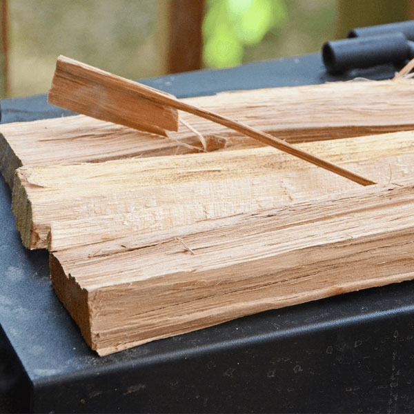 How to pick the best smoking wood
